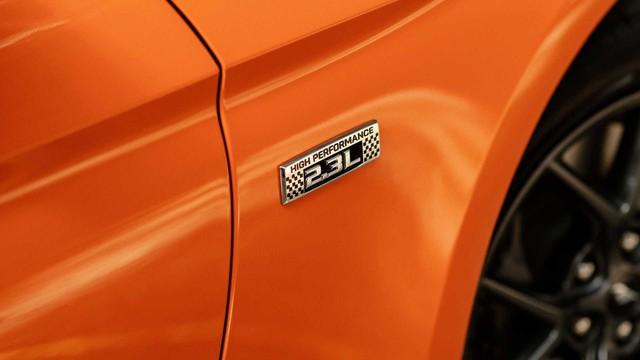 Ford Mustang lấy động cơ từ Focus RS, thêm sức mạnh cho dân chơi - Ảnh 6.