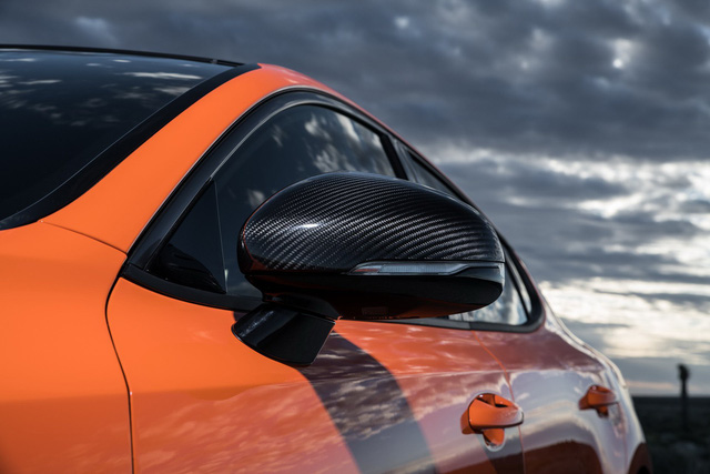 Kia Stinger GTS: Thêm nỗ lực của xe Hàn bình dân trong sân chơi xe thể thao - Ảnh 6.