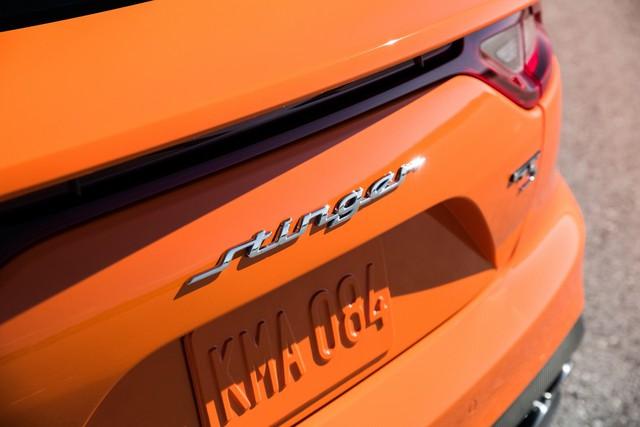 Kia Stinger GTS: Thêm nỗ lực của xe Hàn bình dân trong sân chơi xe thể thao - Ảnh 3.