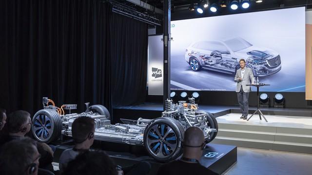 Mercedes-Benz sa thải số nhân viên lớn chưa từng có, cắt đứt quan hệ với Renault – Nissan - Ảnh 2.