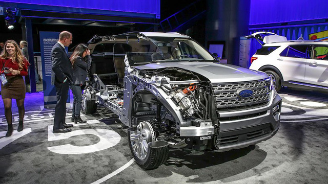 Mua xe nào sắp về Việt Nam: Ford Explorer 2020 hay Toyota Highlander 2020? - Ảnh 14.