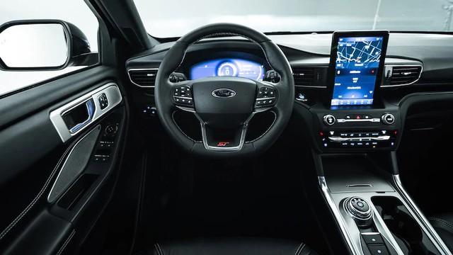 Mua xe nào sắp về Việt Nam: Ford Explorer 2020 hay Toyota Highlander 2020? - Ảnh 3.