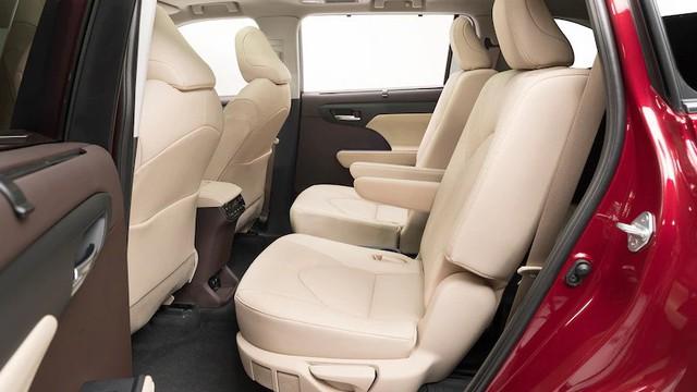 Mua xe nào sắp về Việt Nam: Ford Explorer 2020 hay Toyota Highlander 2020? - Ảnh 7.