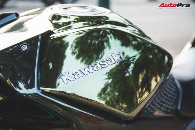 Soi kĩ 'siêu mô tô' Kawasaki H2 giá ngang Toyota Camry đầu tiên tại Hà Nội - Ảnh 2.