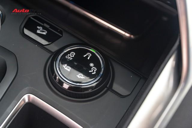 Chạy gần 6.000km, Peugeot 5008 có giá rẻ hơn Toyota Fortuner bản cao cấp - Ảnh 10.