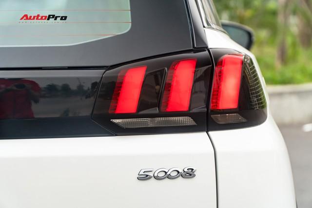 Chạy gần 6.000km, Peugeot 5008 có giá rẻ hơn Toyota Fortuner bản cao cấp - Ảnh 5.