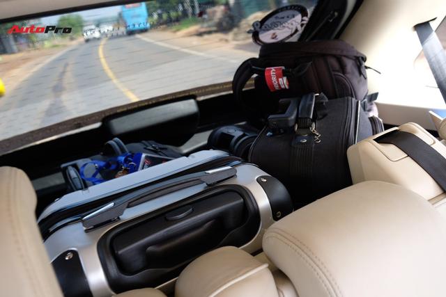 Có gì bên trong những chiếc Range Rover của Trung Nguyên ở Hành trình từ trái tim 2019? - Ảnh 6.