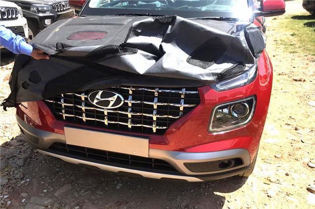 Hyundai Venue - Đàn em Kona lộ diện hình ảnh thực tế đầu tiên kèm thông số hot - Ảnh 1.
