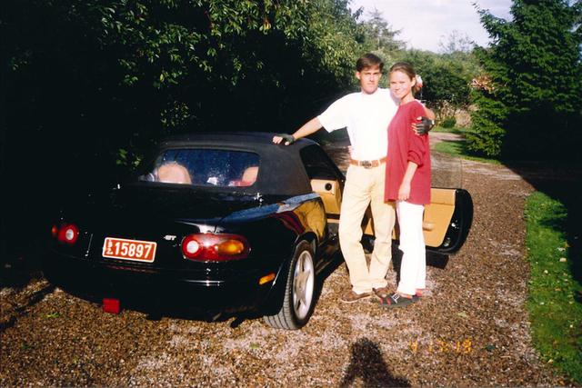 Chủ tịch hãng siêu xe đắt đỏ Koenigsegg lại yêu dòng xe cũ, giá mềm này nhất - Ảnh 2.