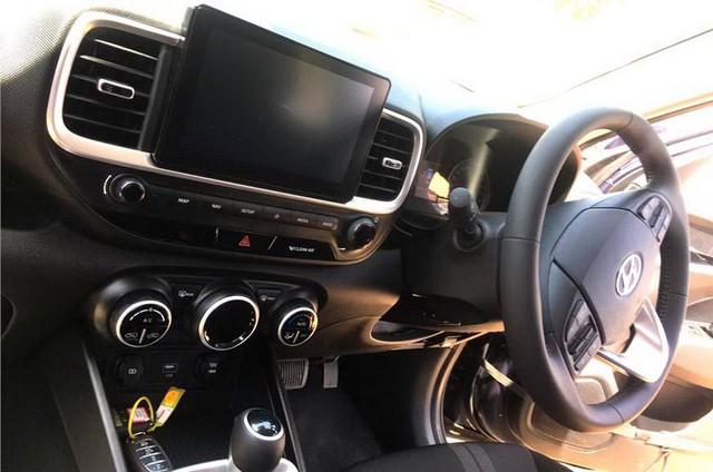 Hyundai Venue - Đàn em Kona lộ diện hình ảnh thực tế đầu tiên kèm thông số hot - Ảnh 3.