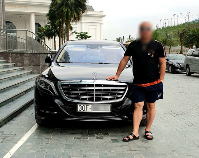 Mercedes-Maybach S600 Pullman thứ 2 Việt Nam chính thức có biển trắng - Ảnh 2.