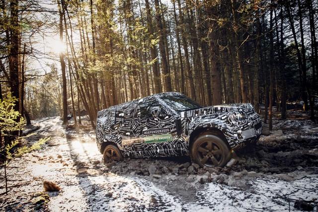 SUV sang chuyên địa hình duy nhất trên thế giới Land Rover Defender chốt ngày trở lại ngay trong năm nay - Ảnh 1.