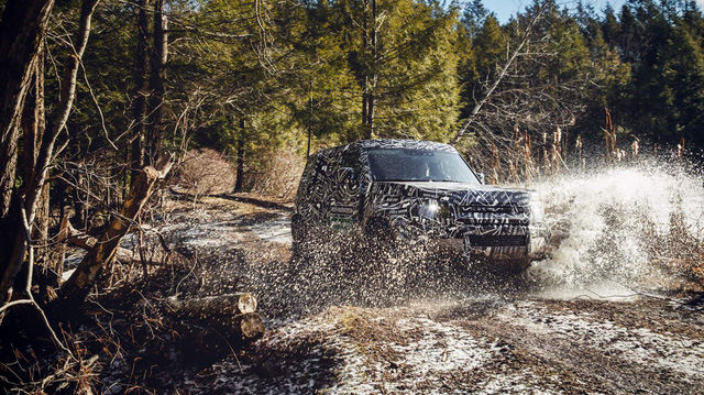 SUV sang chuyên địa hình duy nhất trên thế giới Land Rover Defender chốt ngày trở lại ngay trong năm nay
