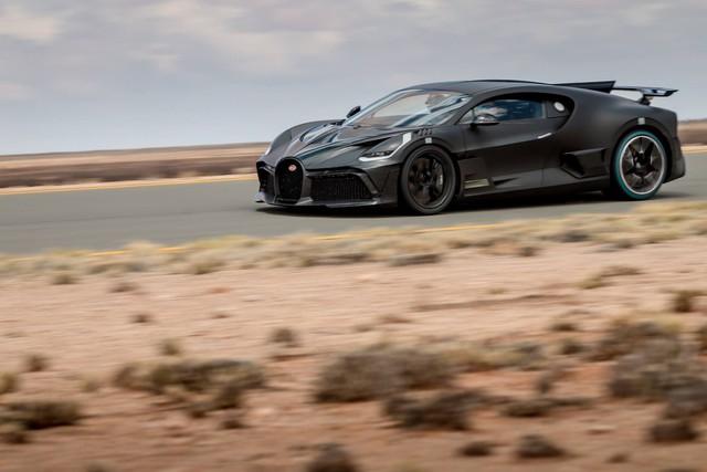 Cách Bugatti thử xe: Cho siêu xe đình đám Divo chạy 250 km/h trong cái nóng 40 độ liên tục không ngừng nghỉ - Ảnh 2.