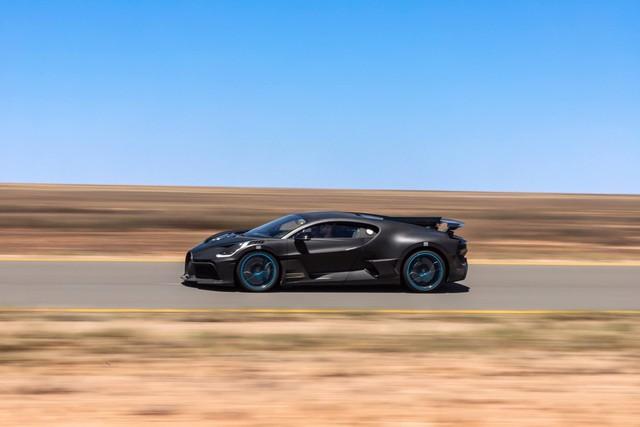 Cách Bugatti thử xe: Cho siêu xe đình đám Divo chạy 250 km/h trong cái nóng 40 độ liên tục không ngừng nghỉ - Ảnh 1.
