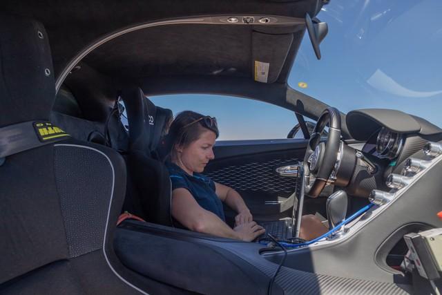 Cách Bugatti thử xe: Cho siêu xe đình đám Divo chạy 250 km/h trong cái nóng 40 độ liên tục không ngừng nghỉ - Ảnh 4.