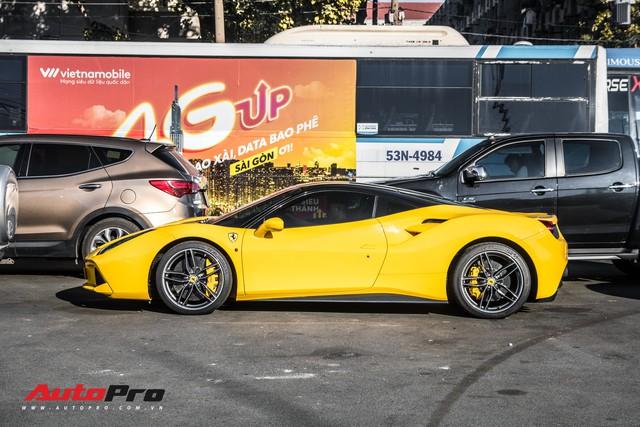 Ferrari 488 GTB màu vàng óng từng của đại gia Bình Dương tìm được chủ nhân mới, ra biển số trắng Sài Gòn - Ảnh 1.