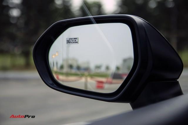 Toyota Camry 2019 và những thử nghiệm lần đầu tại Việt Nam - Ảnh 2.