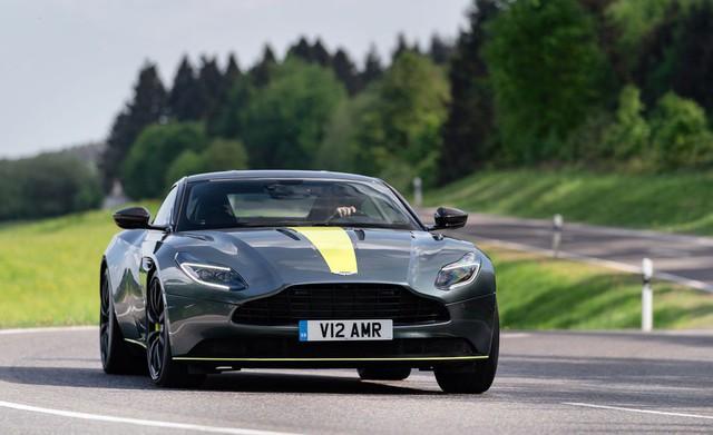 Siêu xe Aston Martin DB11 AMR chào hàng đại gia Việt - Ảnh 2.
