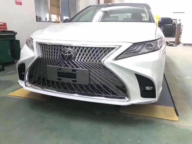 Toyota Camry 2019 vừa mở bán, xưởng độ đã chào gói 'nâng cấp' diện mạo Lexus giá gần 20 triệu đồng - Ảnh 5.