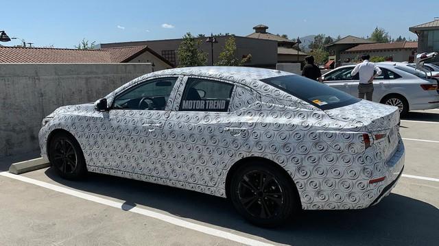 Mazda3 có thêm đối thủ mới nhưng Honda Civic mới đáng lo ngại
