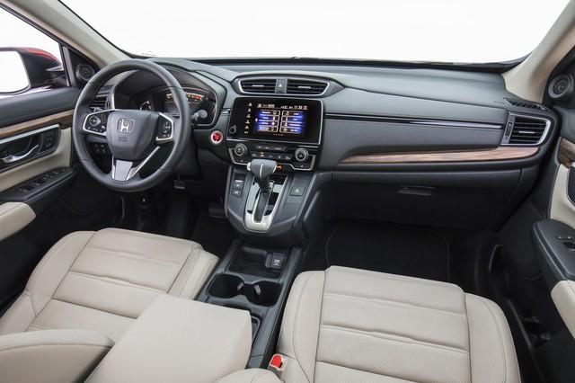 Chênh 200 triệu, Subaru Forester nhập Thái hơn thua gì so với Mazda CX-5 và Honda CR-V? - Ảnh 6.