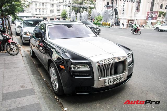 Rolls-Royce Ghost của nhà chồng Tăng Thanh Hà tái xuất trên phố Sài Gòn - Ảnh 1.
