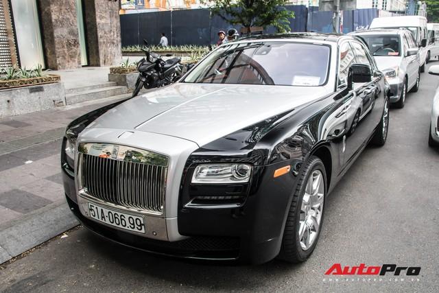 Rolls-Royce Ghost của nhà chồng Tăng Thanh Hà tái xuất trên phố Sài Gòn - Ảnh 5.