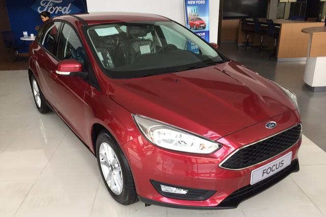 Dọn hàng tồn trước khi ngừng lắp ráp, Ford Focus có giá giảm sốc tại đại lý - Ảnh 1.