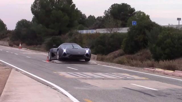 Koenigsegg phá nát các siêu xe triệu đô để thử nghiệm độ an toàn như thế nào? - Ảnh 3.