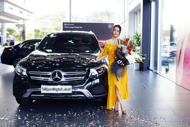 Ca sĩ Phạm Quỳnh Anh sắm Mercedes-Benz GLC 250 sau một quãng thời gian trở lại showbiz - Ảnh 1.