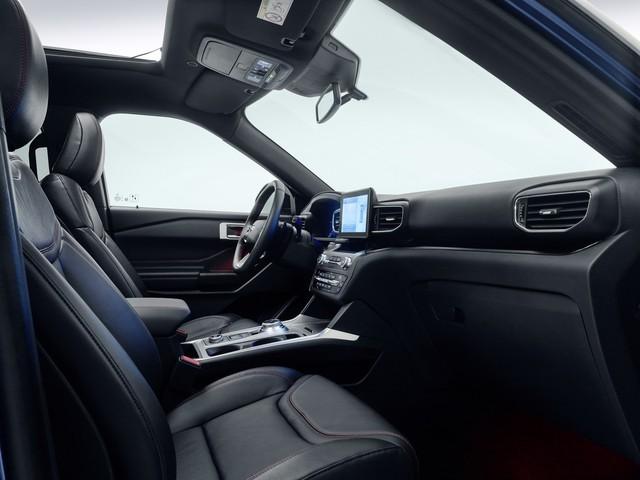 Ford dồn dập ra mắt các phiên bản mới của xe hot Explorer - Ảnh 5.
