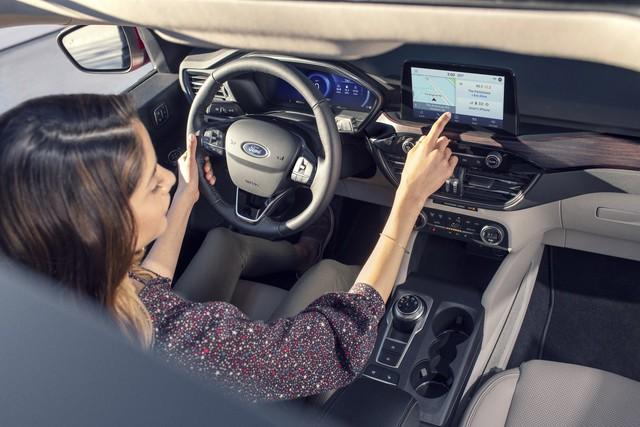 Ra mắt Ford Escape thế hệ mới: Quá nhiều chờ mong về Việt Nam để cạnh tranh Honda CR-V - Ảnh 9.