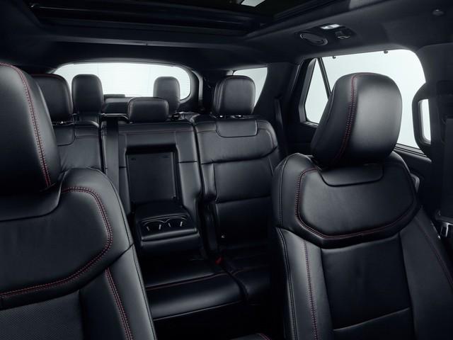Ford dồn dập ra mắt các phiên bản mới của xe hot Explorer - Ảnh 6.