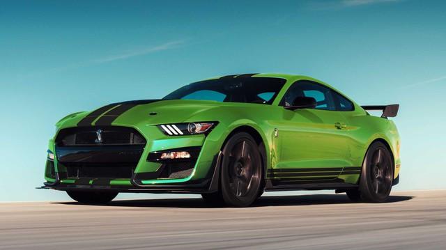 Luời thay đổi, Ford sẽ chỉ nâng cấp Mustang khi làm xong điều này