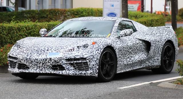 Siêu Chevrolet Corvette với động cơ đặt giữa tung video đầu tiên trước khi ra mắt giữa năm nay - Ảnh 2.
