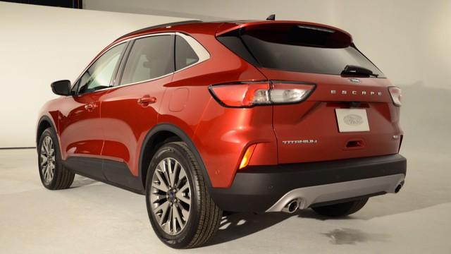 Soi kỹ loạt ảnh chi tiết Ford Escape 2020 chưa từng công bố - Ảnh 1.
