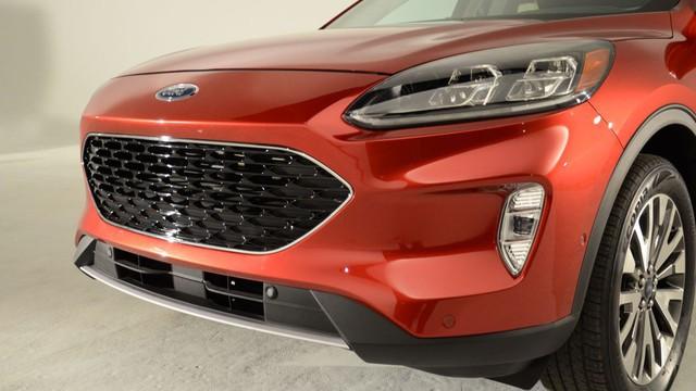 Soi kỹ loạt ảnh chi tiết Ford Escape 2020 chưa từng công bố - Ảnh 2.