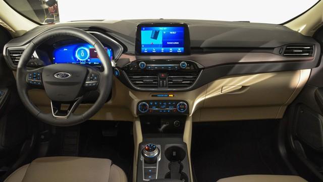 Ford Escape quay lại Việt Nam đấu Mazda CX-5 và Honda CR-V, đại lý đã nhận cọc sớm - Ảnh 4.