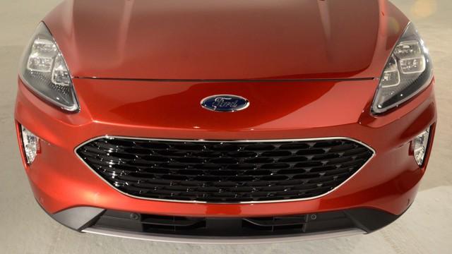 Soi kỹ loạt ảnh chi tiết Ford Escape 2020 chưa từng công bố - Ảnh 3.
