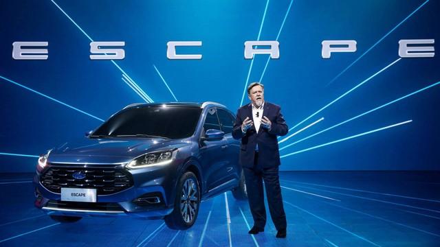 Ford Escape quay lại Việt Nam đấu Mazda CX-5 và Honda CR-V, đại lý đã nhận cọc sớm - Ảnh 1.