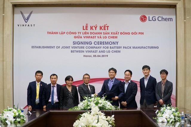 VinFast và LG Chem thành lập liên doanh sản xuất pin cho xe điện và các thiết bị điện tử - Ảnh 1.
