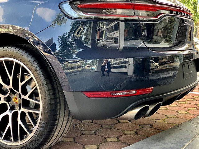 Porsche Macan 2019 đầu tiên cập bến Việt Nam, chủ nhân mạnh tay chi gần 1 tỷ tiền trang bị tùy chọn - Ảnh 10.