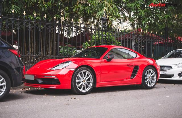 Đại gia Hà Nội chi cả chục triệu đồng chỉ để thay đổi một chi tiết nhỏ trên Porsche 718 Cayman mà ít ai ngờ tới - Ảnh 1.