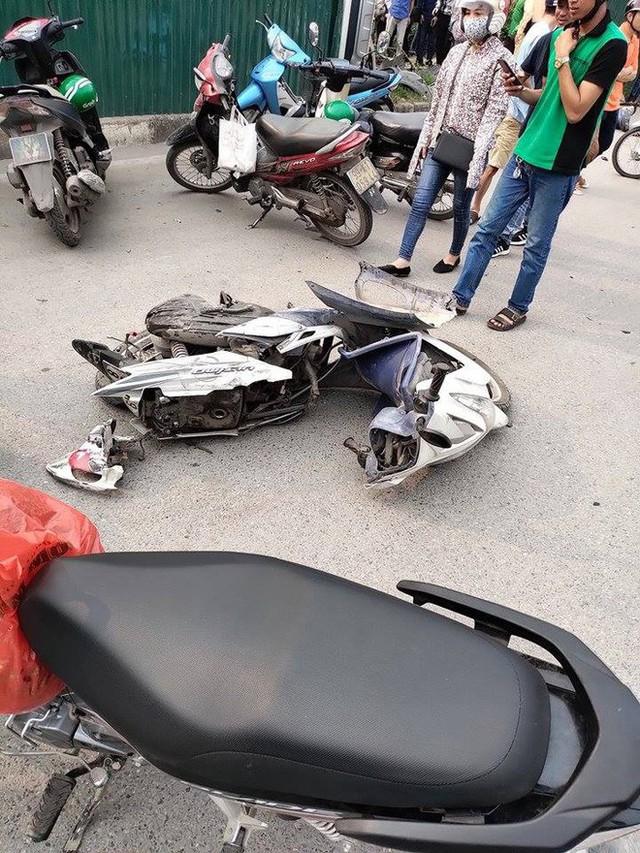Một nạn nhân bị nữ tài xế lái Mercedes tông trúng đang hôn mê sâu do chấn thương sọ não, gãy đùi - Ảnh 3.