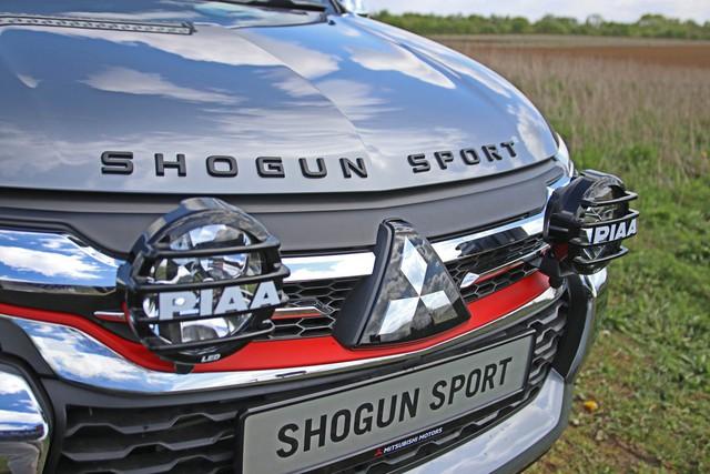 Mitsubishi Pajero Sport SVP - SUV 7 chỗ độ chính hãng cho dân chơi - Ảnh 3.