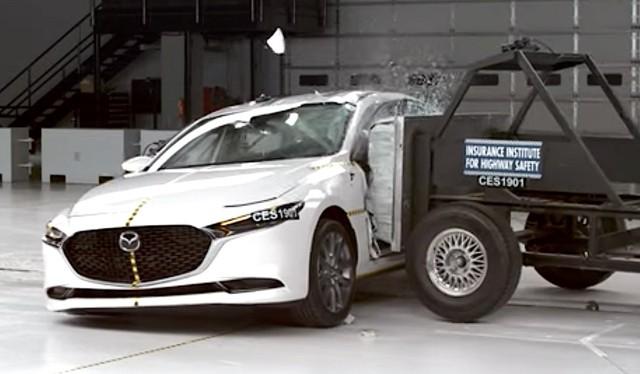 Lùm xùm phanh tự động nhưng Mazda3 đang giúp Mazda có nhiều xe an toàn nhất - Ảnh 2.