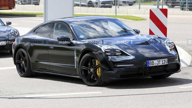 Nội thất Porsche Taycan lần đầu lộ diện - Ảnh 6.
