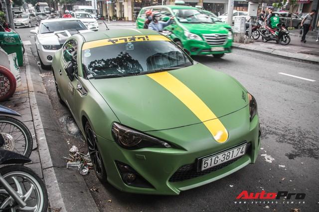 Điểm mặt loạt siêu xe, xe sang trên phố Sài Gòn dịp cuối tuần: Toàn xe độ khủng, hàng hiếm - Ảnh 1.