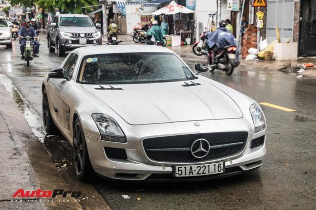 Tóm gọn Mercedes-Benz SLS AMG của ông Đặng Lê Nguyên Vũ khi trên đường về nhà riêng từ Đắk Lắk - Ảnh 2.